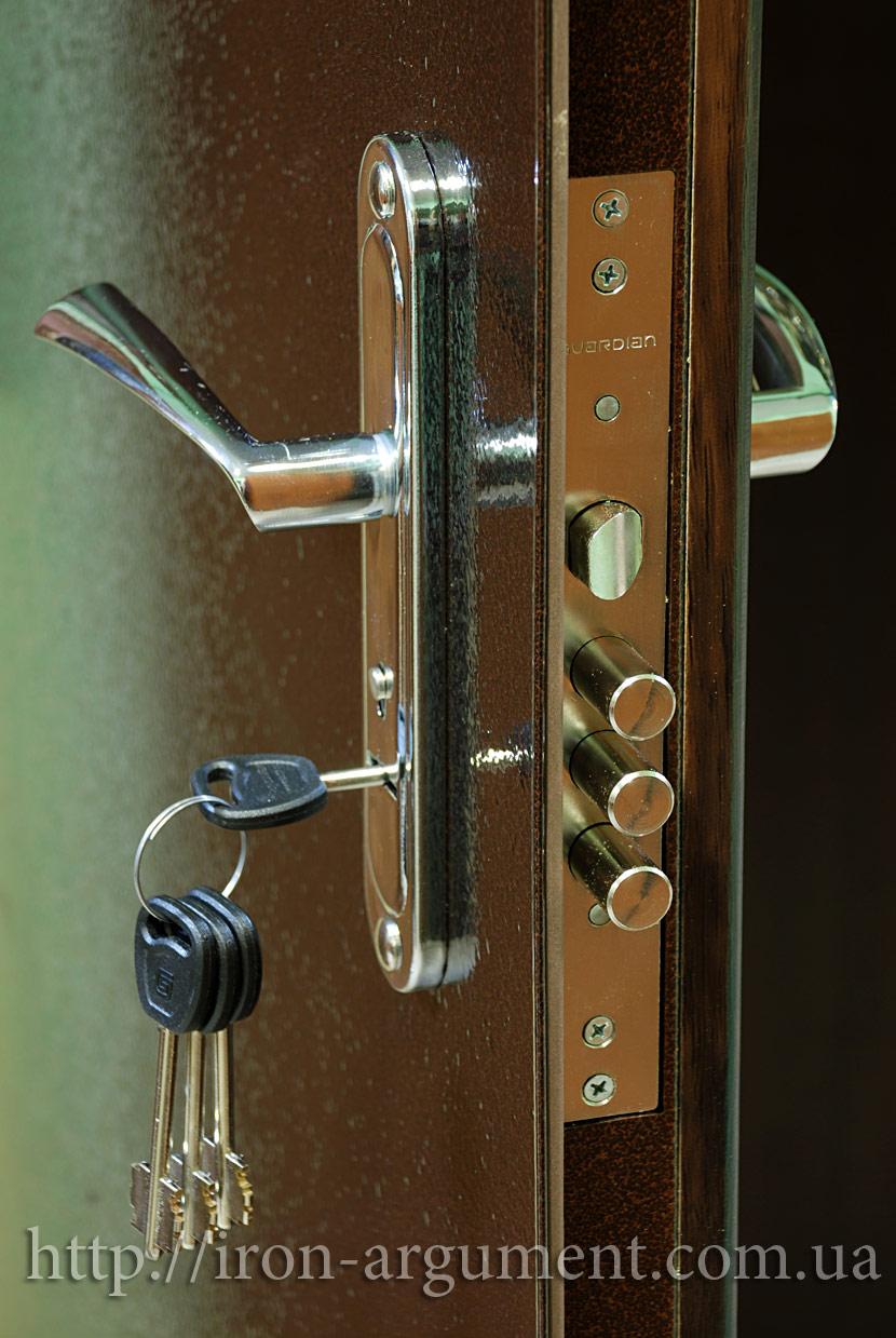 установка железной двери в дом шатура