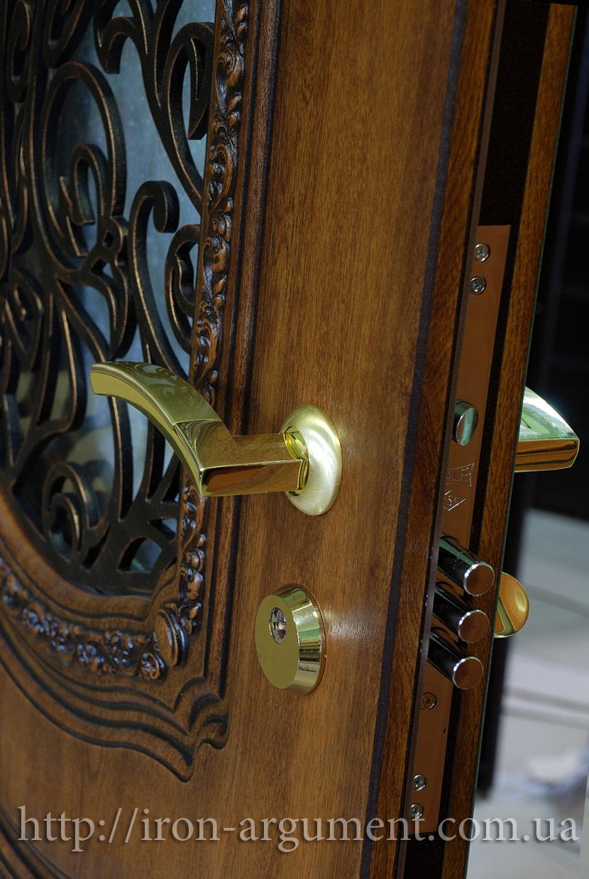 продажа оптовая входных дверей тамбурных